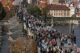Autumn crowd in the Charles bridge