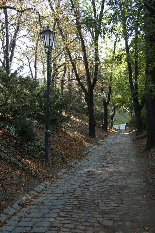 Praga / República Checa Stoned_paths_at_vysehrad